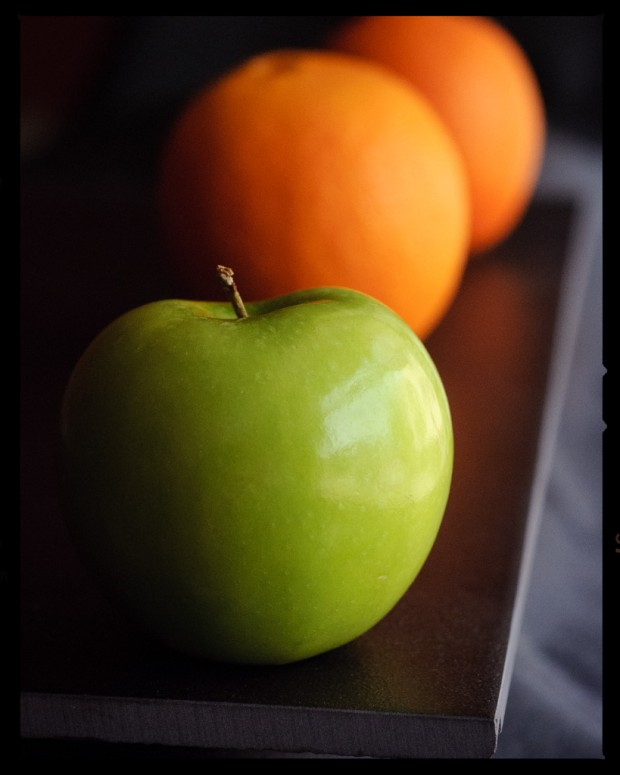Comparing apples - copyright 2013 Scott Brooks | Imagennix