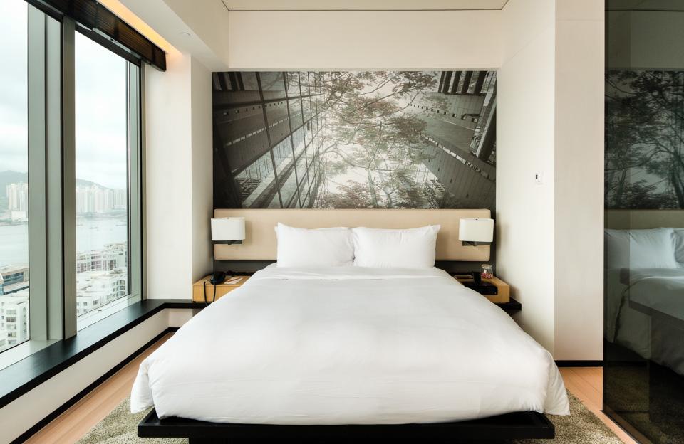 Guestroom - East